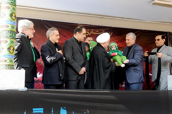 امسال روحانی با کارگران عزاداری کرد